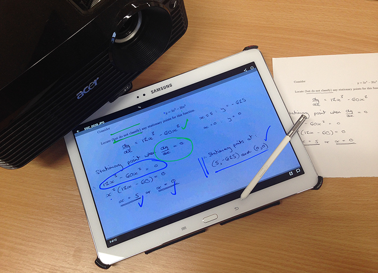 Using Mobile Devices to Support Student Participation in Maths Tutorials